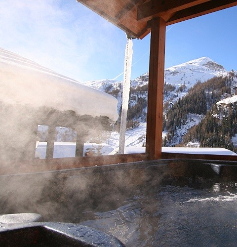 Hotels and chalets to suit all budgets in Tignes and Val d'Isere